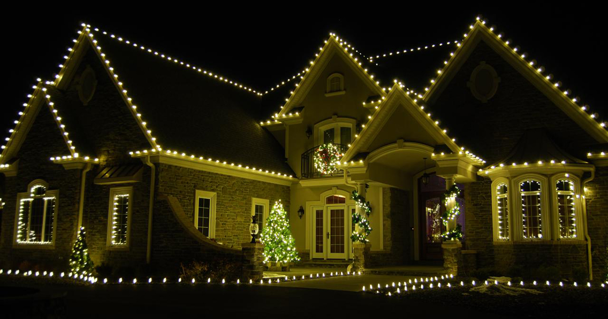 Some useful tips for installing your Holiday lighting this year.